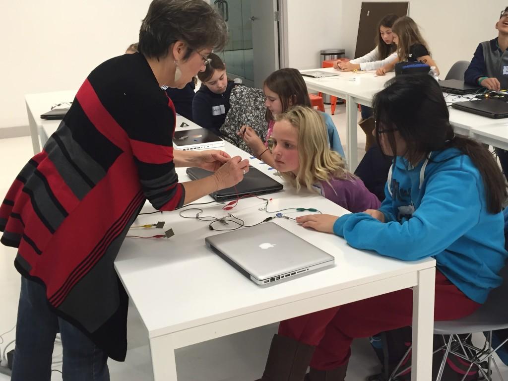 Loretta Faveri demonstrates how basic circuits work