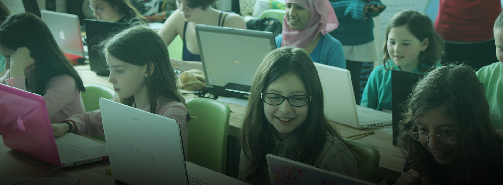 Introducing Girls Learning Code's Web Development Bootcamp for Teens!